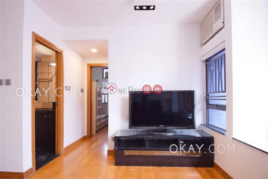 HK$ 31,500/ month Hollywood Terrace Central District   Nicely kept 2 bedroom on high floor   Rental