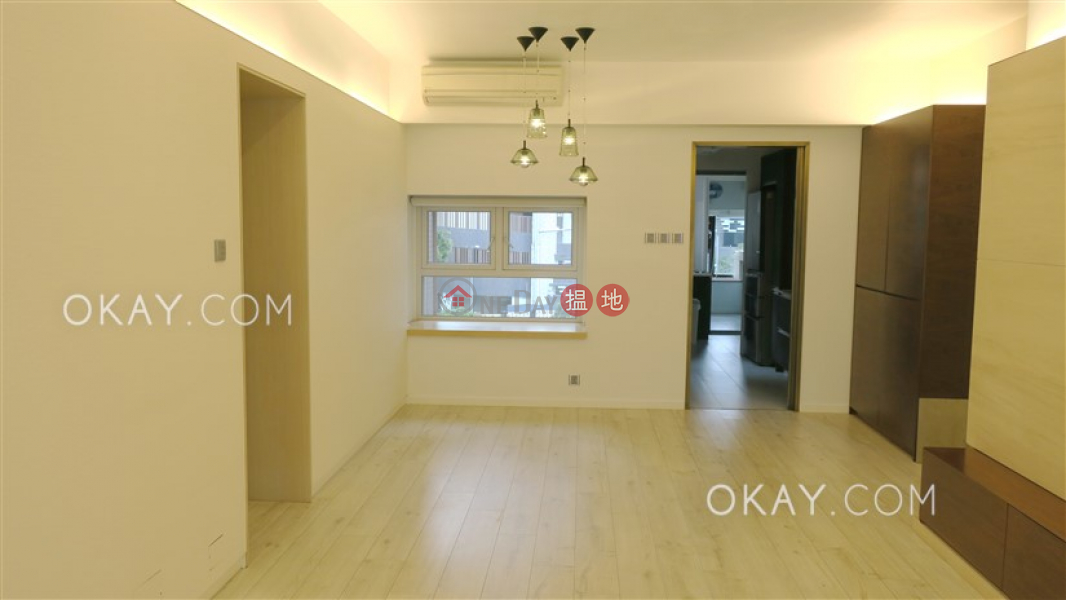 Efficient 3 bedroom with balcony & parking   Rental   Ventris Place 雲地利台 Rental Listings