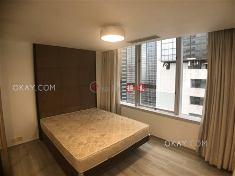 HK$ 28,000/ month | Convention Plaza Apartments, Wan Chai District Generous 1 bedroom in Wan Chai | Rental