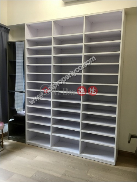 A homestyle Apt with Balcony 23嘉咸街   中區 香港出租HK$ 37,000/ 月