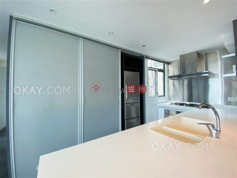 Luxurious 3 bed on high floor with rooftop & parking   Rental   Stanford Villa Block 4 旭逸居4座 Rental Listings