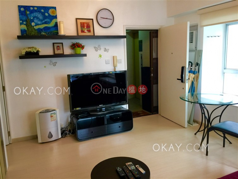 Cozy 1 bedroom in Mid-levels West | Rental | Woodlands Court 活倫閣 Rental Listings