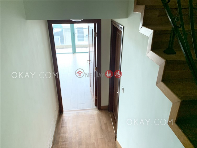 Beautiful house with rooftop, balcony | Rental | Phase 1 Regalia Bay 富豪海灣1期 Rental Listings