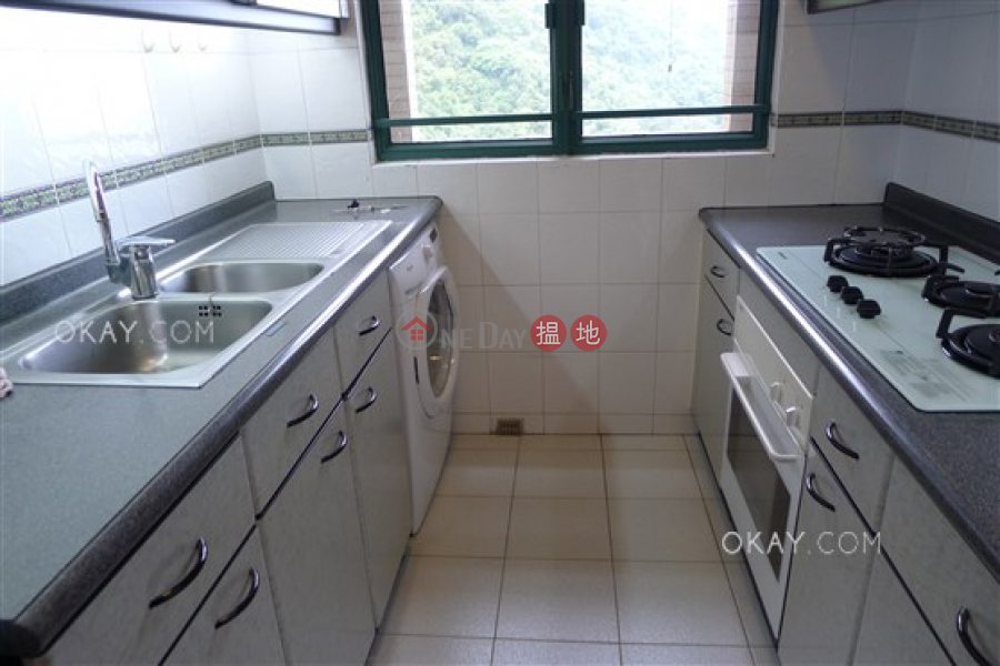 HK$ 20M, Hillsborough Court | Central District | Lovely 2 bedroom on high floor with parking | For Sale