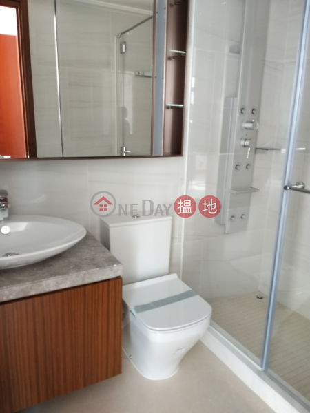 high floor sea view | 18 Hoi Fai Road | Yau Tsim Mong Hong Kong, Rental, HK$ 36,000/ month