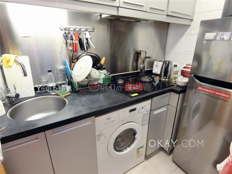 Property Search Hong Kong | OneDay | Residential Rental Listings Practical 2 bedroom in Sheung Wan | Rental