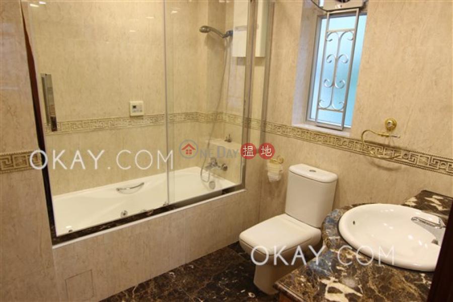 3房2廁,實用率高,連車位嘉賢大廈出租單位12旭龢道 | 西區-香港|出租-HK$ 63,000/ 月