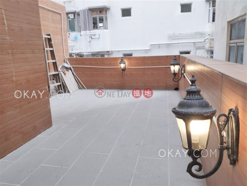 Gorgeous 3 bedroom with rooftop & balcony   Rental   Ying Wah Court 英華閣 Rental Listings