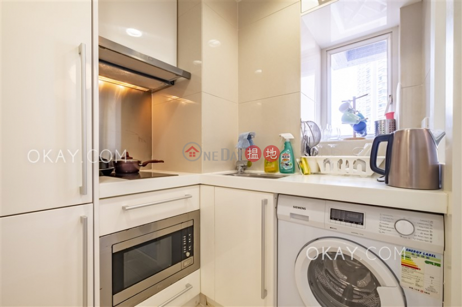 HK$ 25,000/ month | The Icon, Western District, Unique 1 bedroom with balcony | Rental