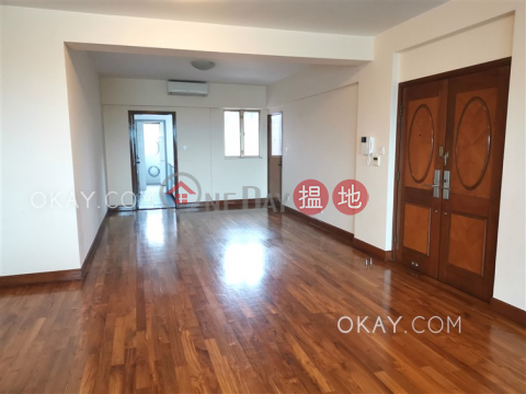 Nicely kept 3 bedroom with balcony & parking | Rental|Hong Kong Gold Coast Block 27(Hong Kong Gold Coast Block 27)Rental Listings (OKAY-R261504)_0
