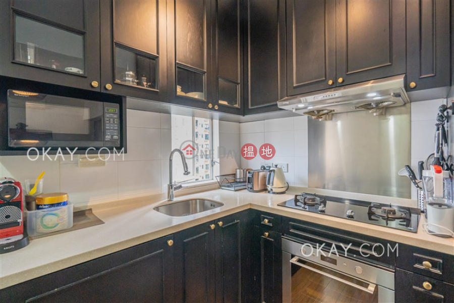 HK$ 31,000/ month | Tai Ping Mansion | Central District Rare 2 bedroom on high floor | Rental