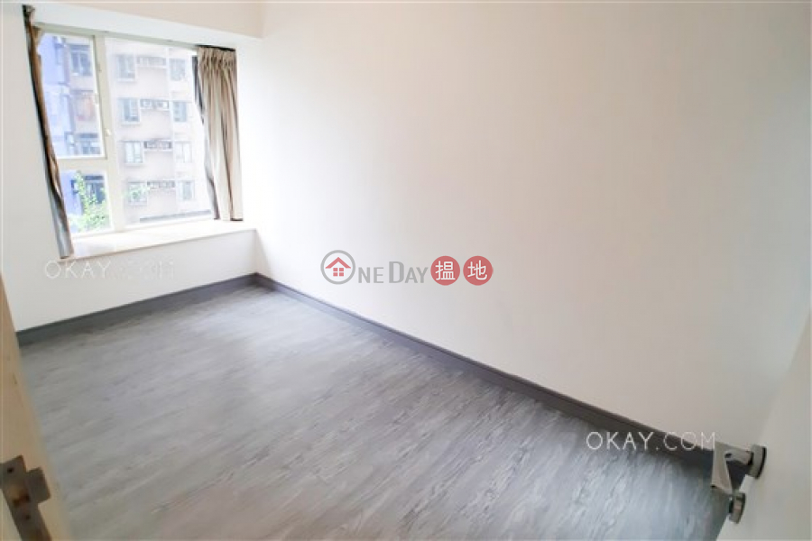 Tasteful 3 bedroom with balcony | Rental, Centrestage 聚賢居 Rental Listings | Central District (OKAY-R62993)