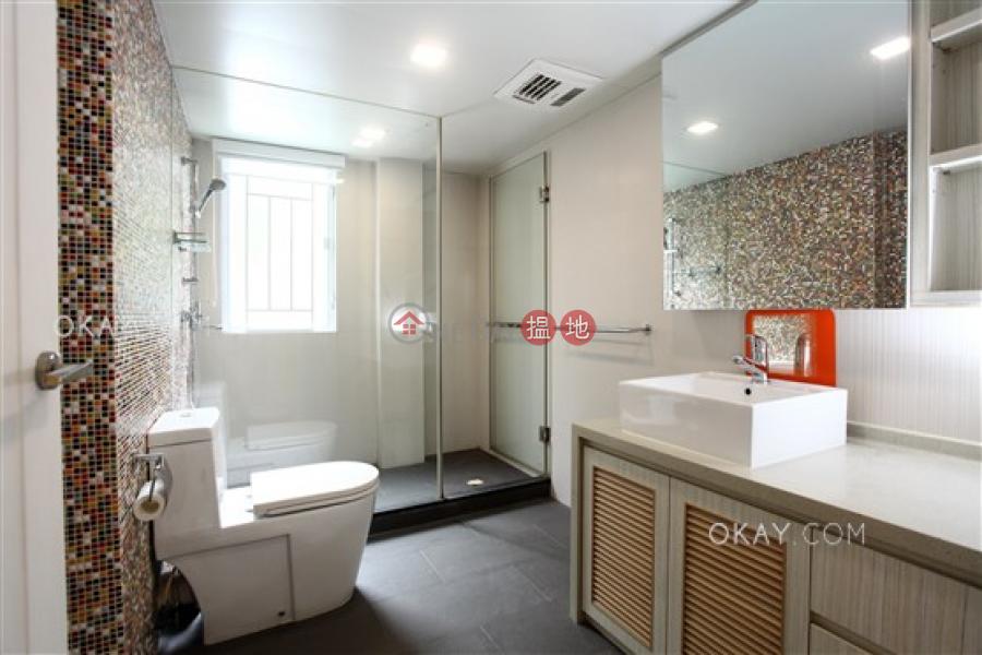 HK$ 16.9M Pak Shek Terrace Sai Kung | Elegant house with rooftop, balcony | For Sale