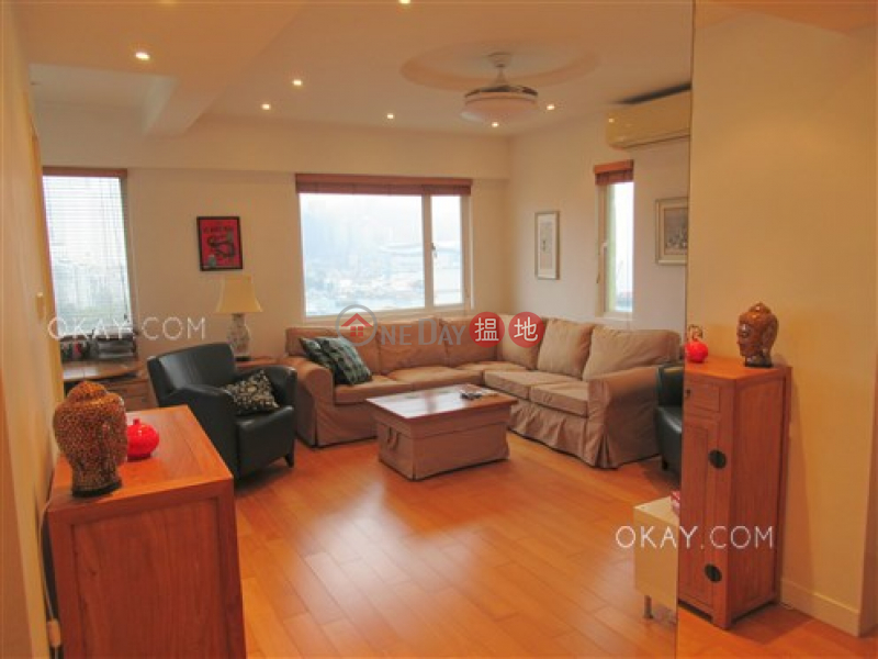 Elegant 1 bedroom on high floor with sea views | For Sale | Belle House 佳景大廈 Sales Listings