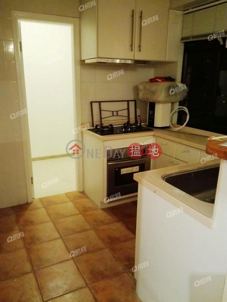 HK$ 45,000/ month | San Francisco Towers Wan Chai District | San Francisco Towers | 3 bedroom Mid Floor Flat for Rent