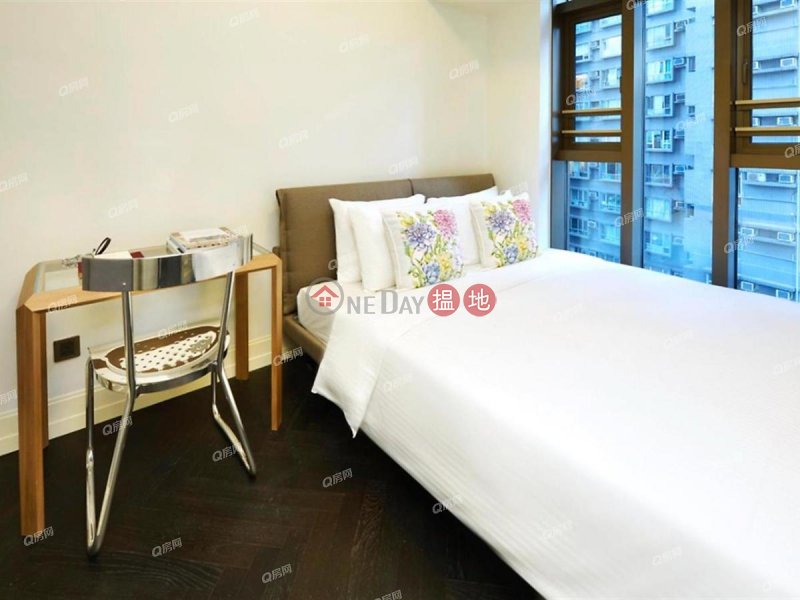 HK$ 124,000/ month, Castle One By V   Western District, Castle One By V   3 bedroom High Floor Flat for Rent
