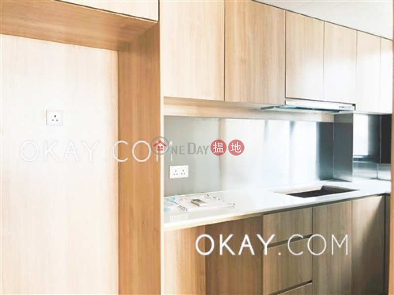 Generous 2 bedroom on high floor with sea views | For Sale | Sun Court 大新閣 Sales Listings