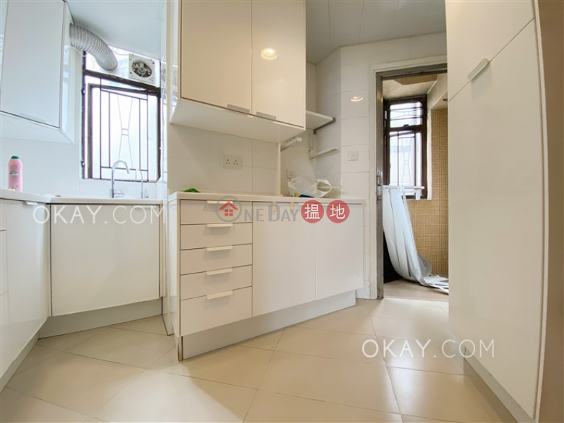 Property Search Hong Kong | OneDay | Residential | Rental Listings | Luxurious 3 bedroom in Mid-levels West | Rental