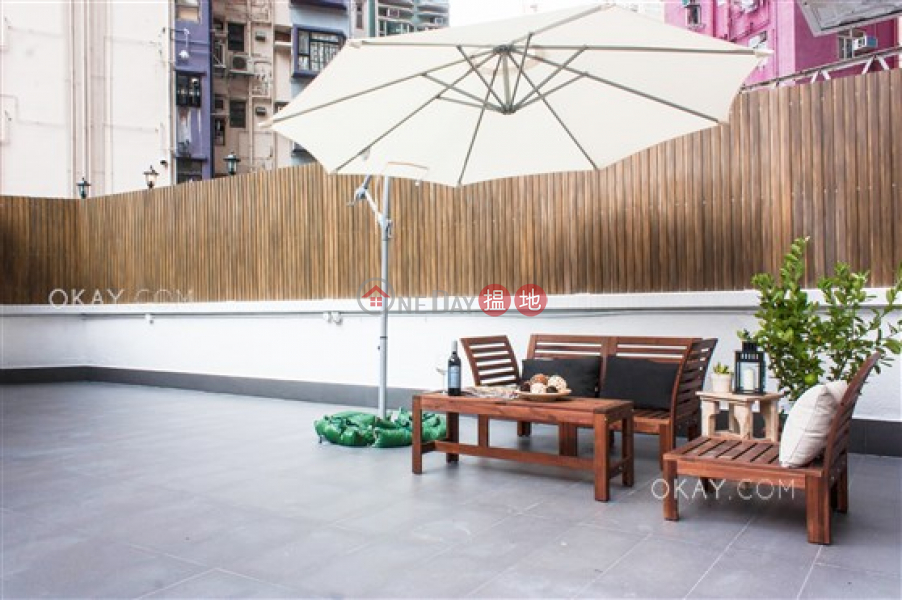 Charming 2 bedroom with terrace | For Sale | Kam Fung Mansion 金風大廈 Sales Listings