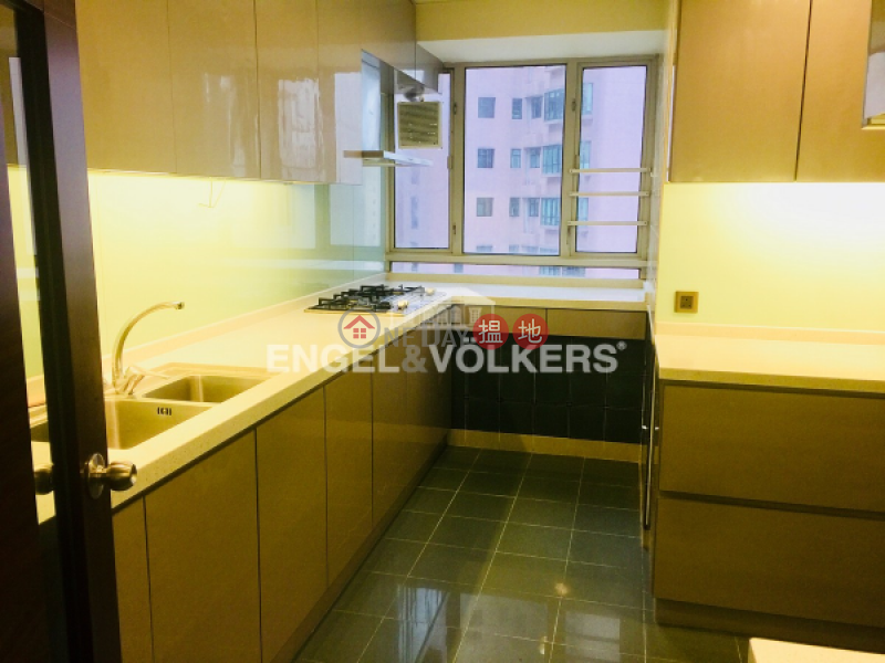 HK$ 80,000/ month, Tregunter, Central District | 3 Bedroom Family Flat for Rent in Central Mid Levels