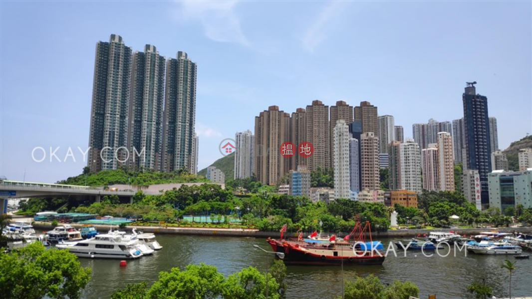 HK$ 13.8M Aberdeen Harbour Mansion Southern District | Popular 4 bedroom with terrace | For Sale