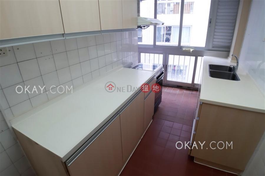 Tasteful 3 bedroom with balcony & parking | Rental | Amber Garden 安碧苑 Rental Listings