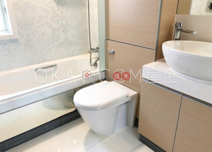 3房2廁,極高層,星級會所,露台聚賢居出售單位-108荷李活道 | 中區|香港出售-HK$ 2,500萬