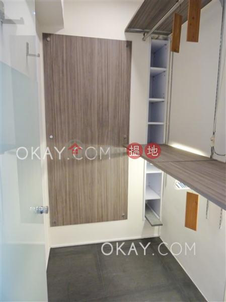 Efficient 3 bedroom with balcony & parking | For Sale | Flora Garden 富麗園 Sales Listings