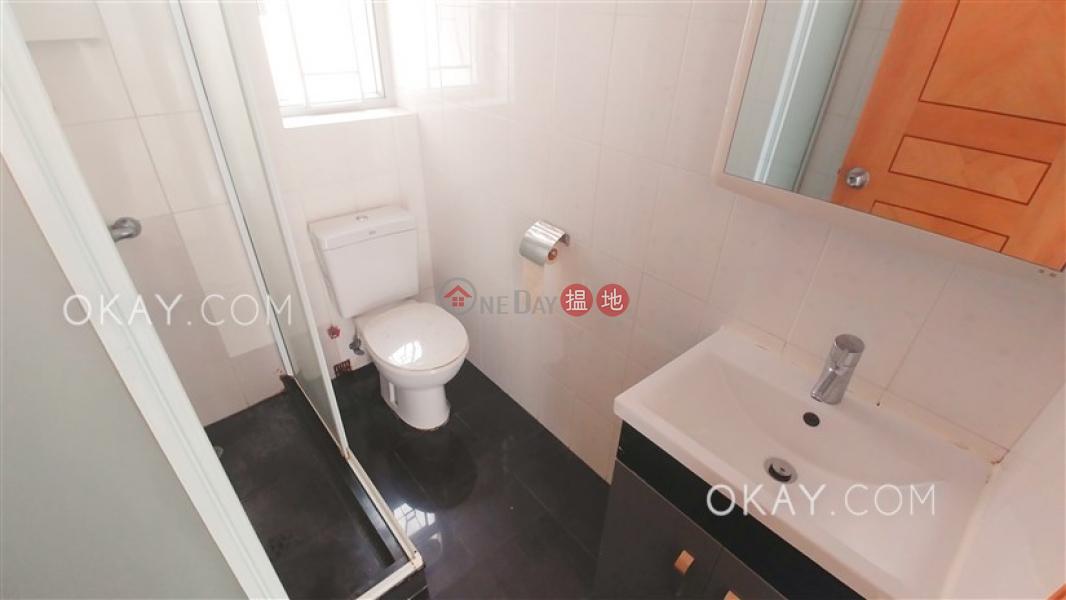 Nicely kept 4 bedroom with balcony | Rental | Hyde Park Mansion 海德大廈 Rental Listings