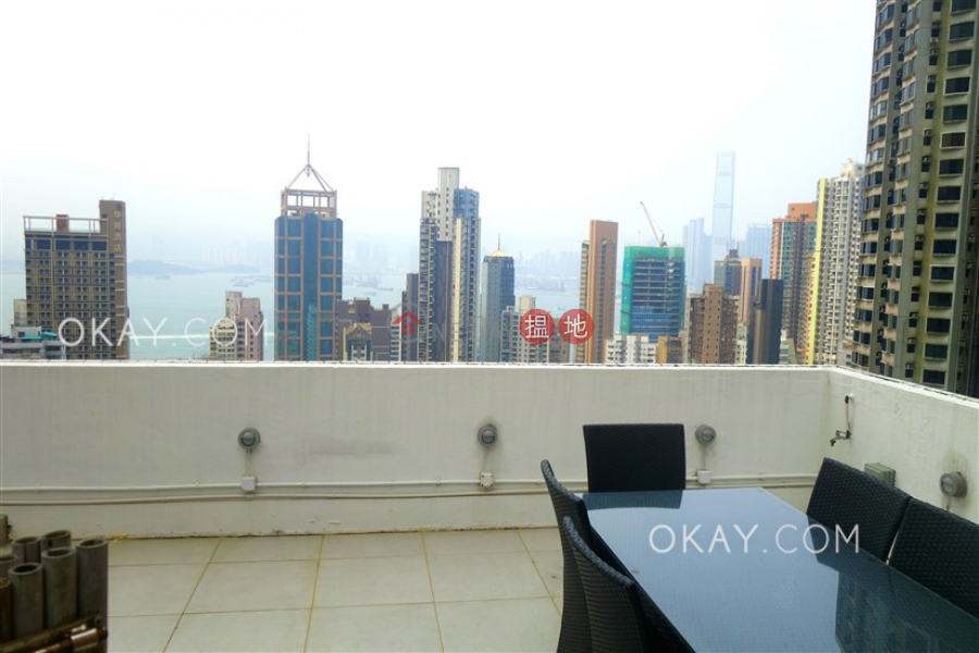 Nicely kept 1 bedroom on high floor with rooftop   For Sale   Namning Mansion 南寧大廈 Sales Listings