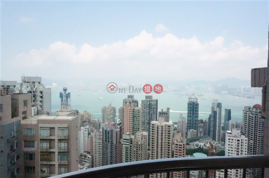 Rare 3 bedroom on high floor with sea views & rooftop | Rental | Dragonview Court 龍騰閣 Rental Listings