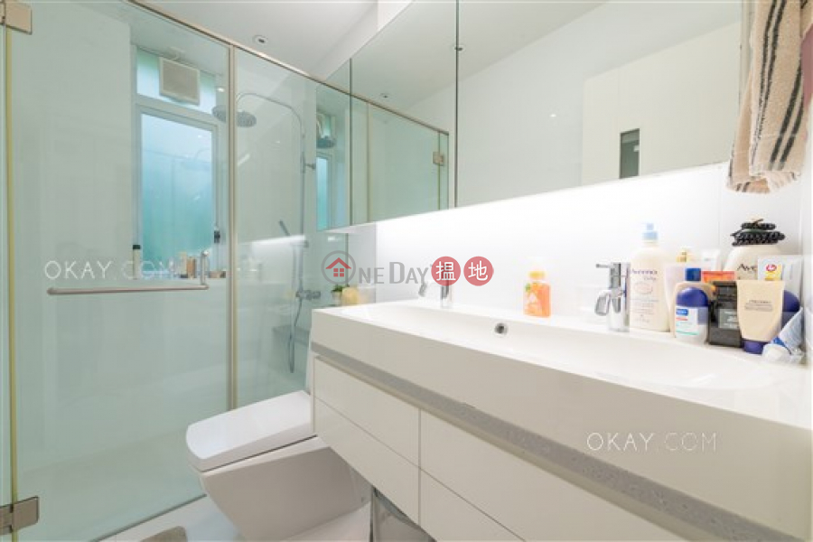 Stylish 3 bedroom on high floor with rooftop & parking | Rental | 27-29 Village Terrace | Wan Chai District, Hong Kong | Rental HK$ 72,000/ month
