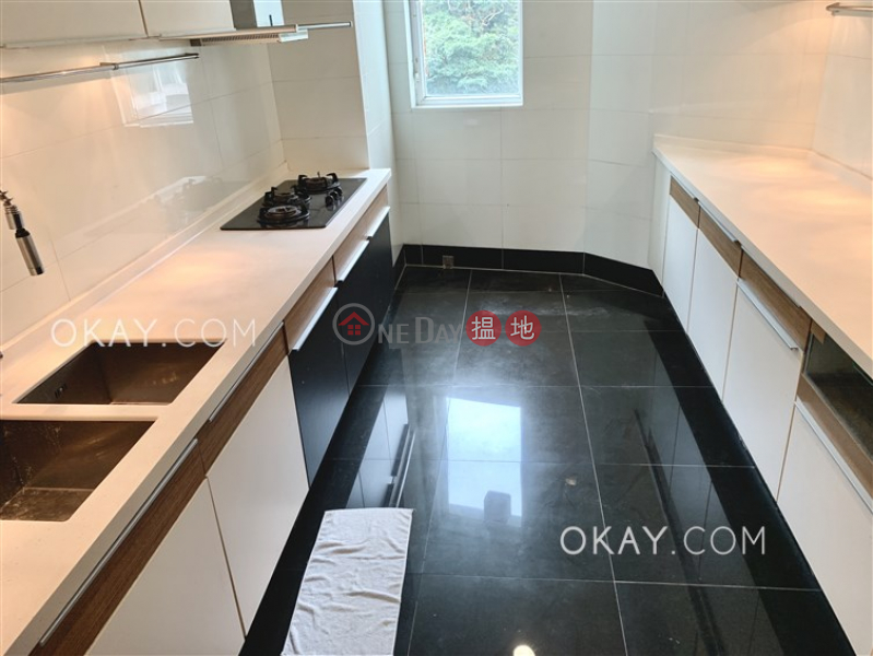 HK$ 33,800/ month | One Kowloon Peak, Tsuen Wan, Luxurious 3 bedroom with balcony & parking | Rental