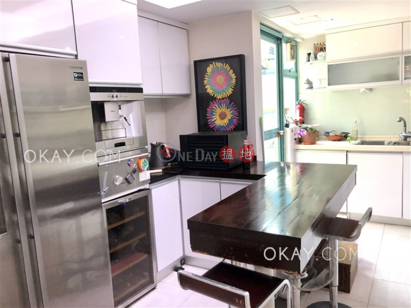 HK$ 23.5M, Discovery Bay, Phase 12 Siena Two, Block 16 | Lantau Island Tasteful 4 bedroom with terrace | For Sale