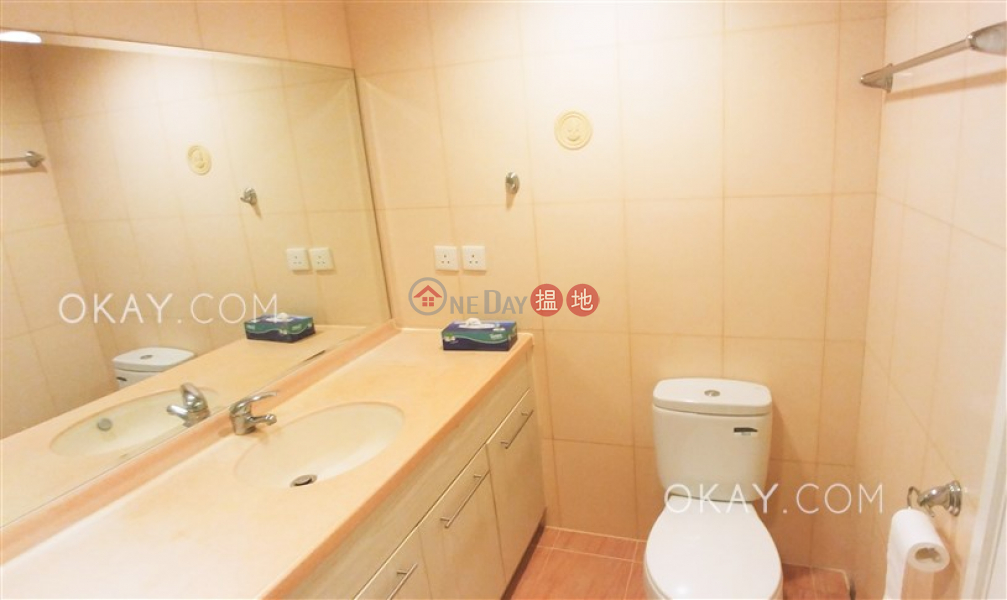 HK$ 38,000/ month, Bay View Mansion, Wan Chai District | Stylish 2 bedroom on high floor with sea views | Rental
