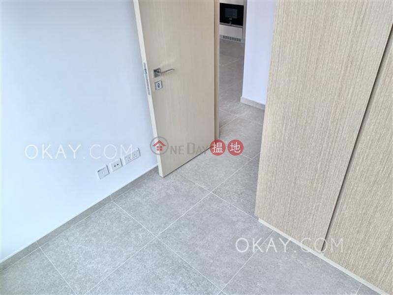 2房1廁,星級會所,露台《RESIGLOW薄扶林出租單位》|RESIGLOW薄扶林(Resiglow Pokfulam)出租樓盤 (OKAY-R378733)