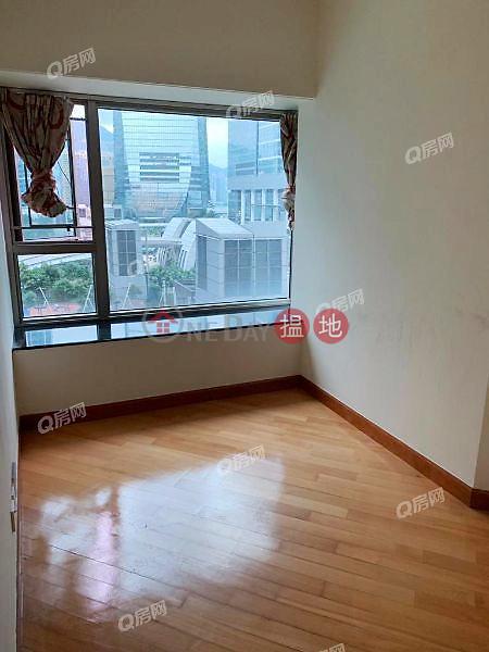 HK$ 40,000/ month, Sorrento Phase 1 Block 3, Yau Tsim Mong | Sorrento Phase 1 Block 3 | 3 bedroom Low Floor Flat for Rent