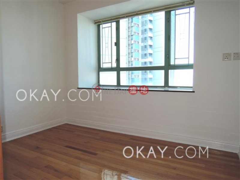 HK$ 18.8M, Goldwin Heights | Western District, Rare 3 bedroom on high floor with sea views | For Sale