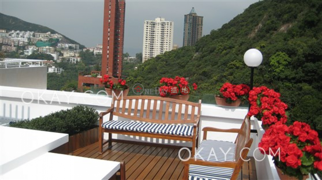 Unique penthouse with sea views, rooftop & balcony | For Sale 19A-19D Repulse Bay Road | Southern District Hong Kong | Sales | HK$ 80M