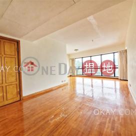 Tasteful 4 bedroom with sea views, balcony | Rental