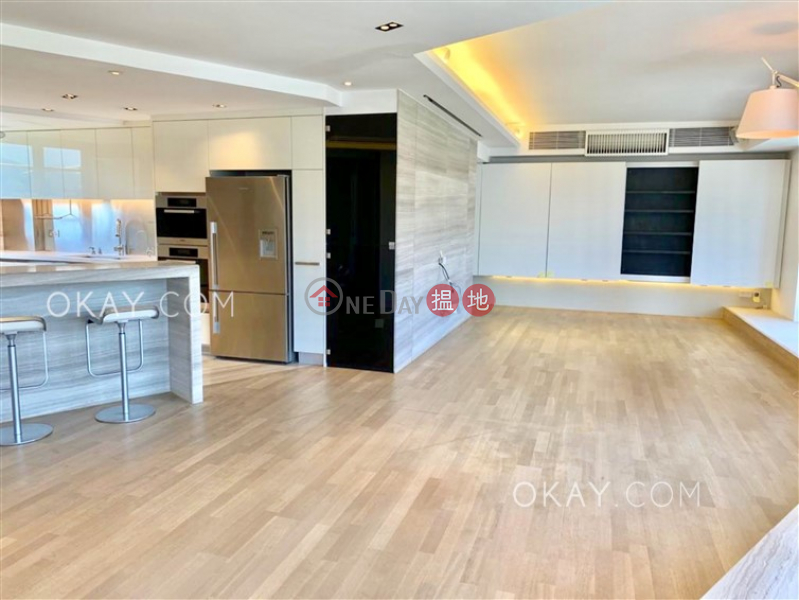 HK$ 70,000/ month The Royal Court, Central District, Lovely 2 bedroom on high floor with harbour views | Rental