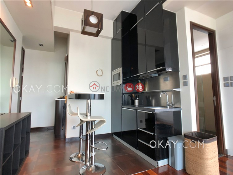 HK$ 30,000/ month, J Residence, Wan Chai District, Tasteful high floor with harbour views & balcony | Rental