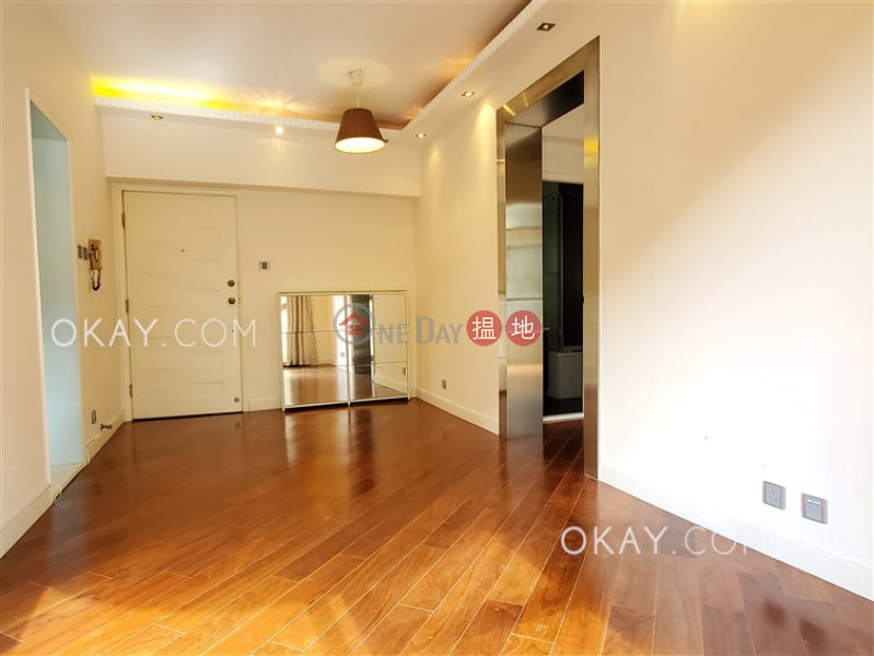 HK$ 30,000/ month | Scenecliff Western District, Generous 2 bedroom with balcony | Rental