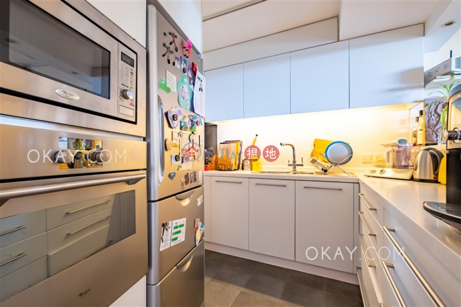 Charming 3 bedroom with harbour views & balcony   For Sale   Greenery Garden 怡林閣A-D座 Sales Listings