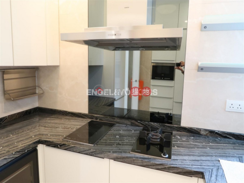 HK$ 60,000/ month 18 Conduit Road Western District | 3 Bedroom Family Flat for Rent in Mid Levels West