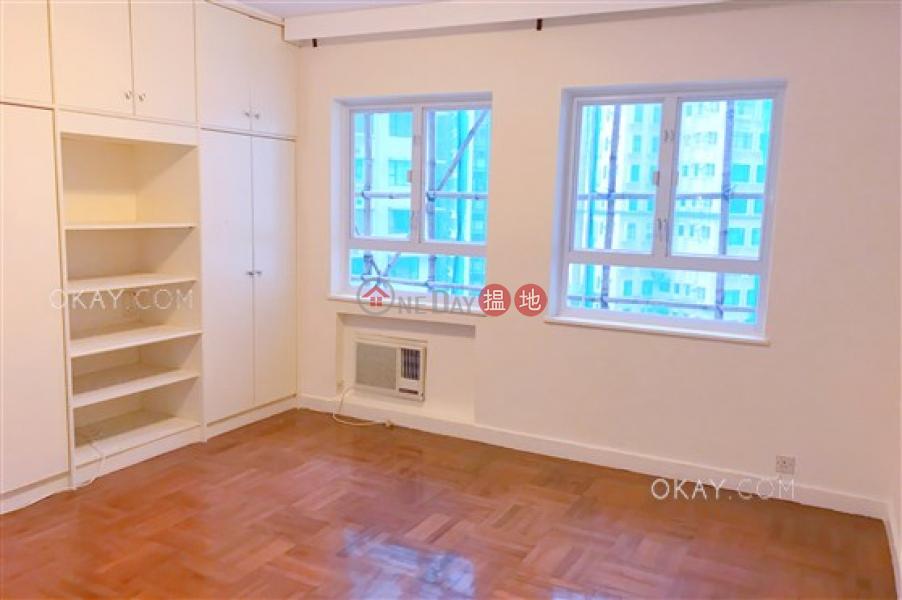 HK$ 3,000萬華麗閣-西區3房2廁,連車位《華麗閣出售單位》