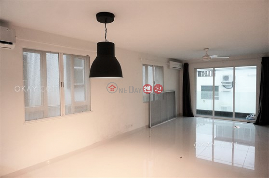 Gorgeous house with rooftop, balcony | For Sale | Mok Tse Che Village 莫遮輋村 Sales Listings