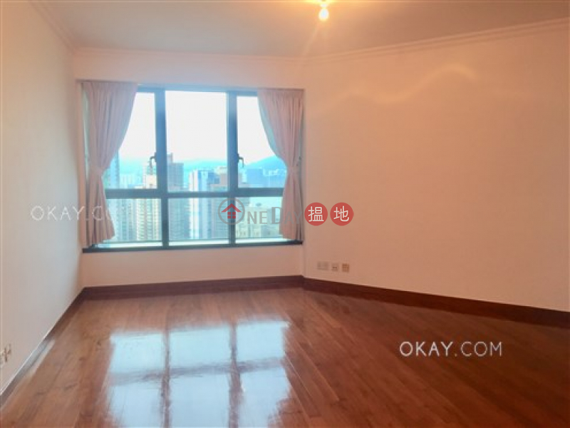 Lovely 3 bed on high floor with harbour views & parking | For Sale | 80 Robinson Road 羅便臣道80號 Sales Listings