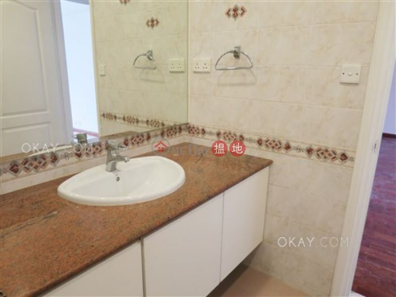 HK$ 95M, Bellevue Court Wan Chai District, Efficient 3 bed on high floor with racecourse views | For Sale