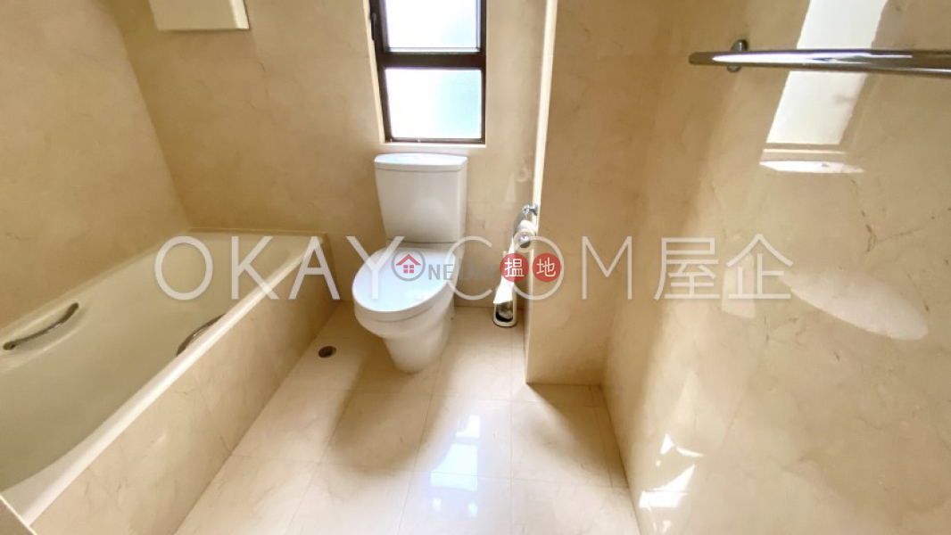 HK$ 55,000/ 月-永威閣-灣仔區-3房2廁,連車位永威閣出租單位